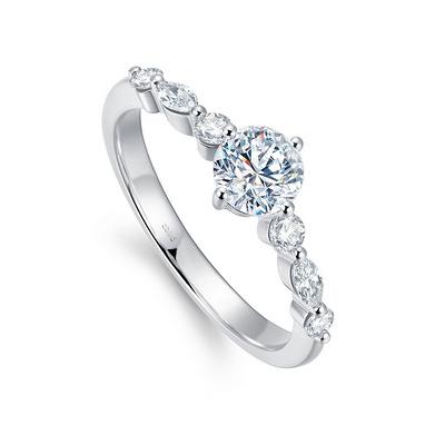 北极光追光系列流影钻石戒指 31分白18K金钻石女戒